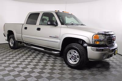 2005 GMC Sierra 2500 Crew Cab 4x4, Pickup #D110258C - photo 3