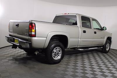 2005 GMC Sierra 2500 Crew Cab 4x4, Pickup #D110258C - photo 4