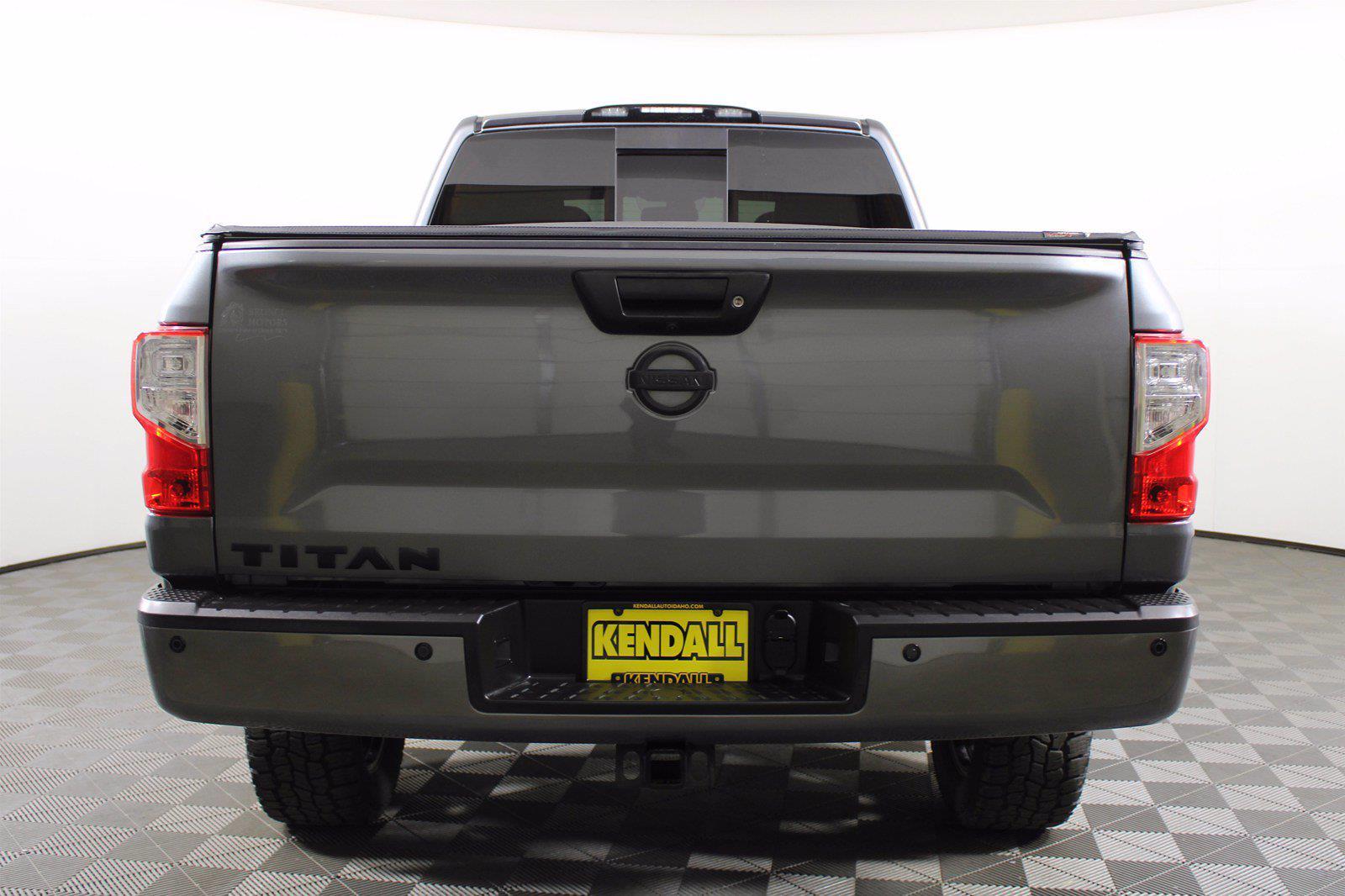 2018 Nissan Titan XD Crew Cab 4x4, Pickup #D110582A - photo 9