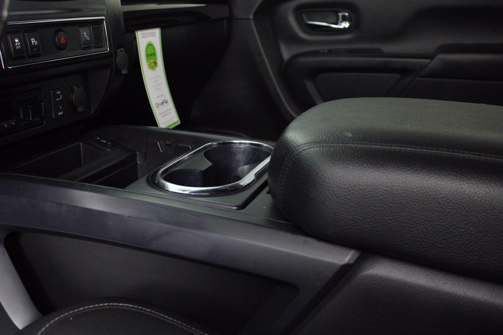 2018 Nissan Titan XD Crew Cab 4x4, Pickup #D110582A - photo 3