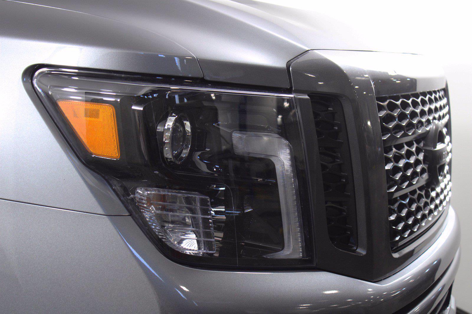 2018 Nissan Titan XD Crew Cab 4x4, Pickup #D110582A - photo 10