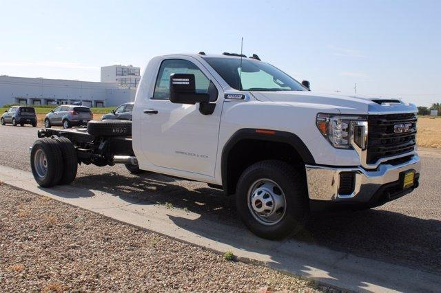 2020 GMC Sierra 3500 Regular Cab 4x4, Cab Chassis #D400272 - photo 3