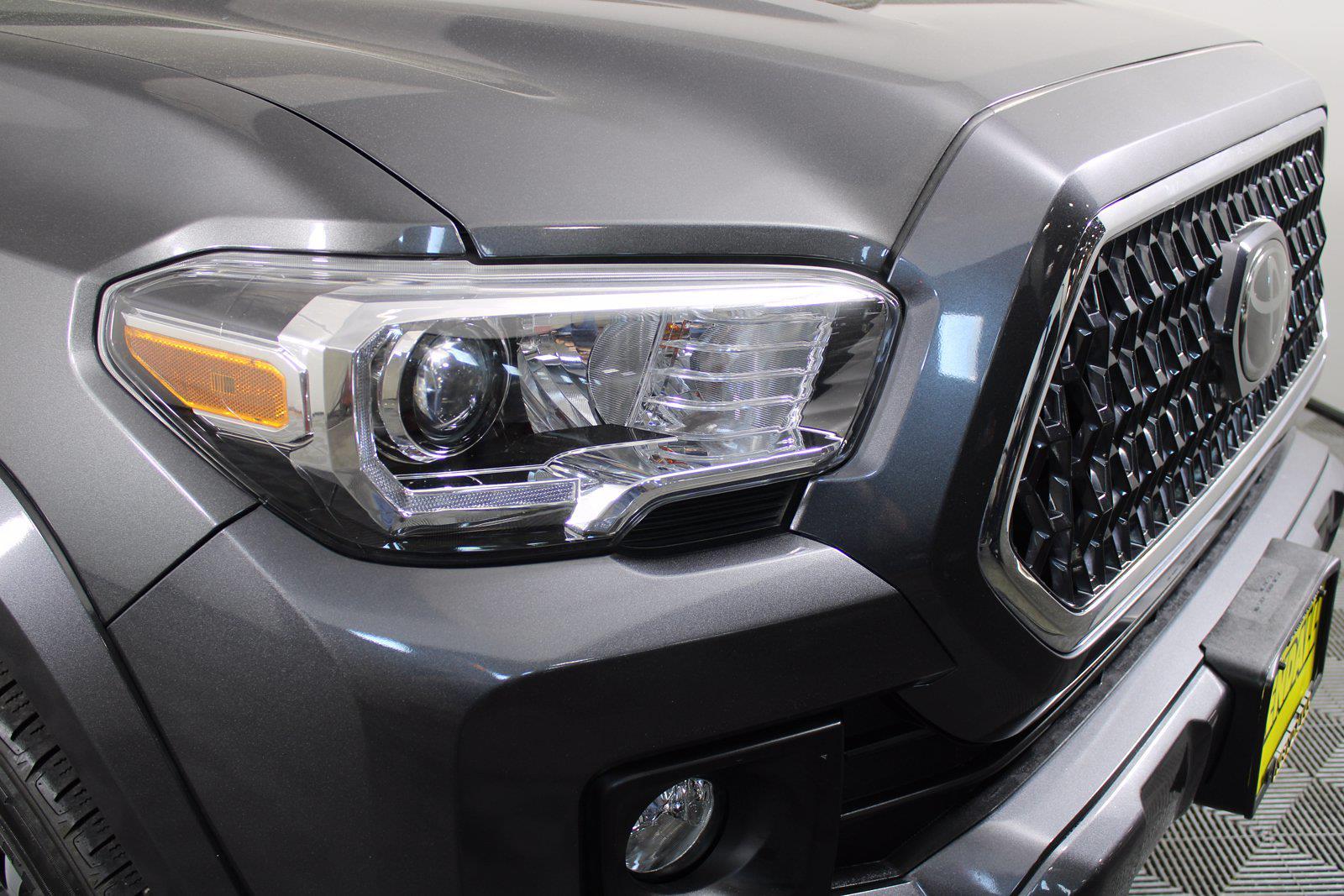 2018 Toyota Tacoma Double Cab 4x4, Pickup #D410890B - photo 8