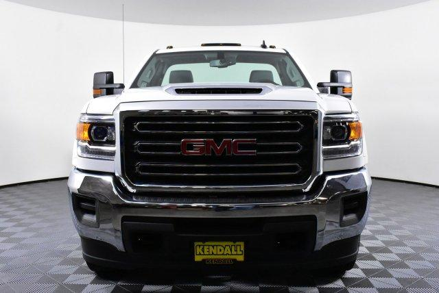 2018 Sierra 3500 Regular Cab DRW 4x4, Cab Chassis #D480516 - photo 3