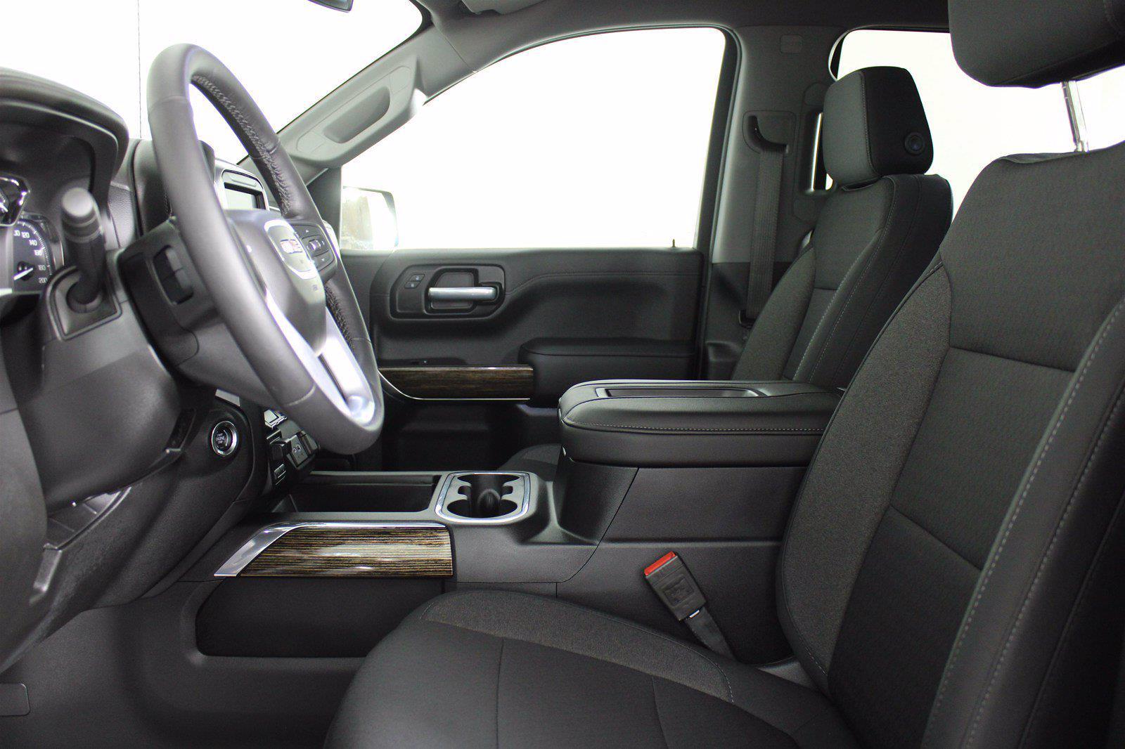 2020 GMC Sierra 1500 Crew Cab 4x4, Pickup #DAF0533 - photo 4