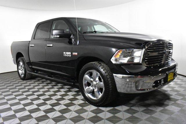 2014 Ram 1500 Crew Cab 4x4, Pickup #DU89870 - photo 3