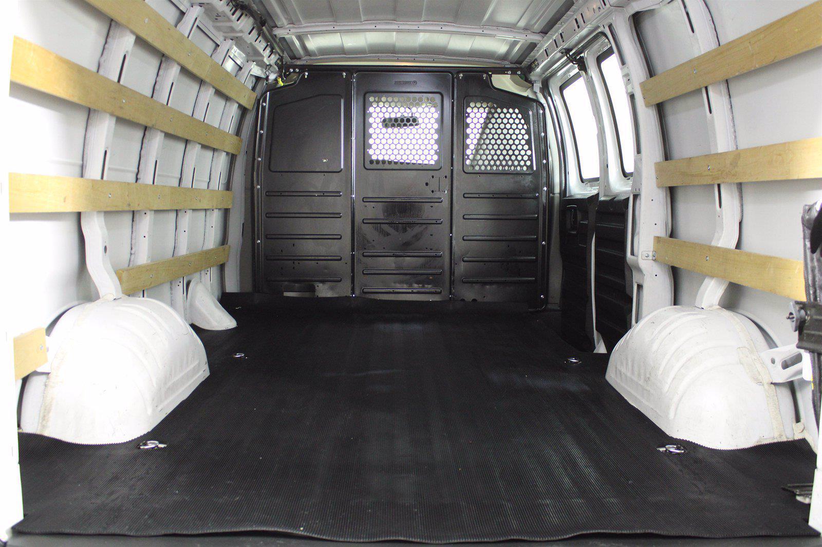 2018 GMC Savana 2500 4x2, Empty Cargo Van #DU90789 - photo 11