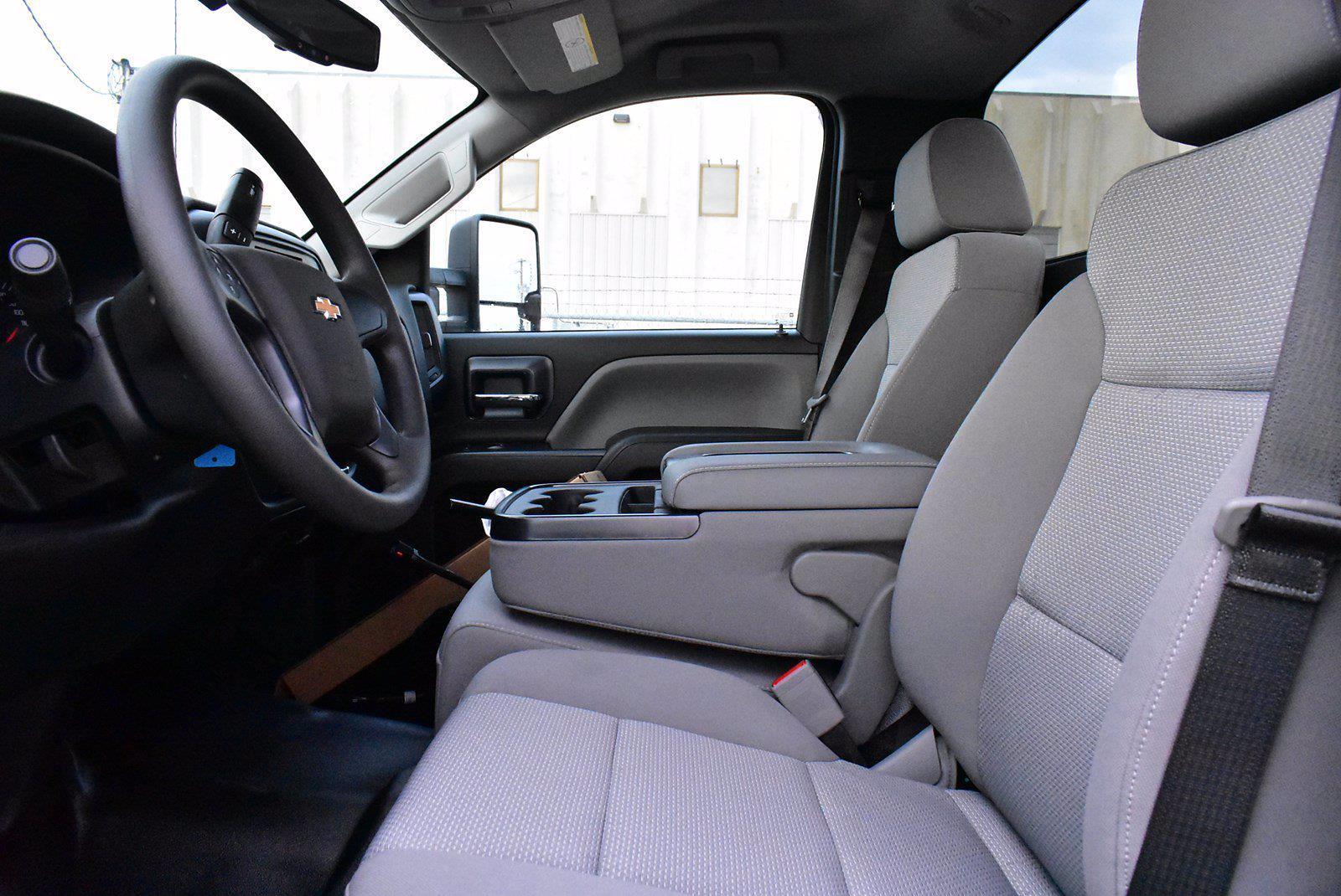 2020 Chevrolet Silverado 5500 DRW 4x2, Cab Chassis #D100217 - photo 8