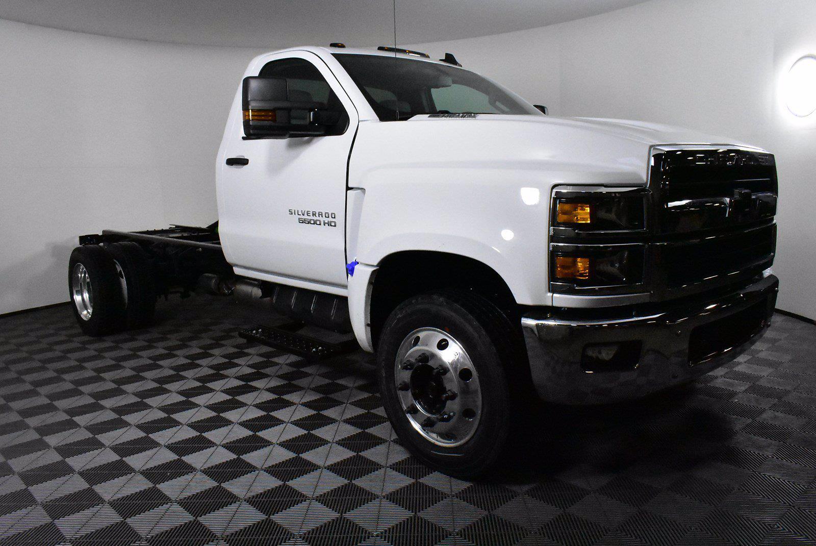 2020 Chevrolet Silverado 5500 DRW 4x2, Cab Chassis #D100223 - photo 3