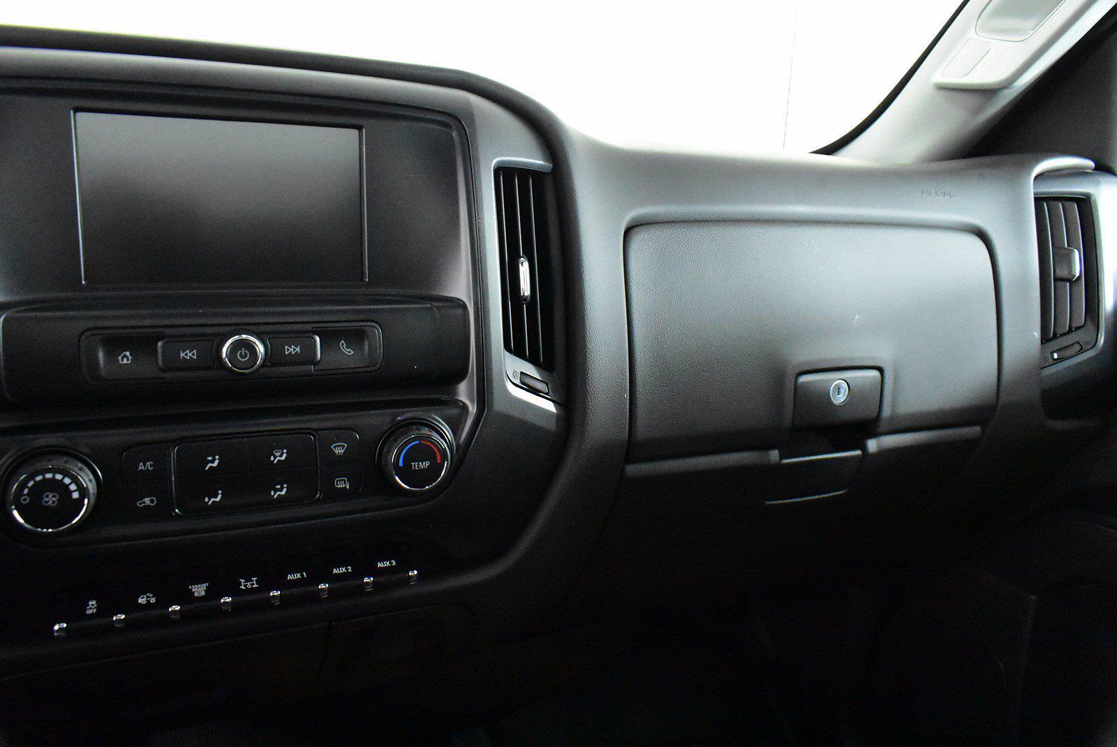 2020 Chevrolet Silverado 5500 DRW 4x2, Cab Chassis #D100223 - photo 6