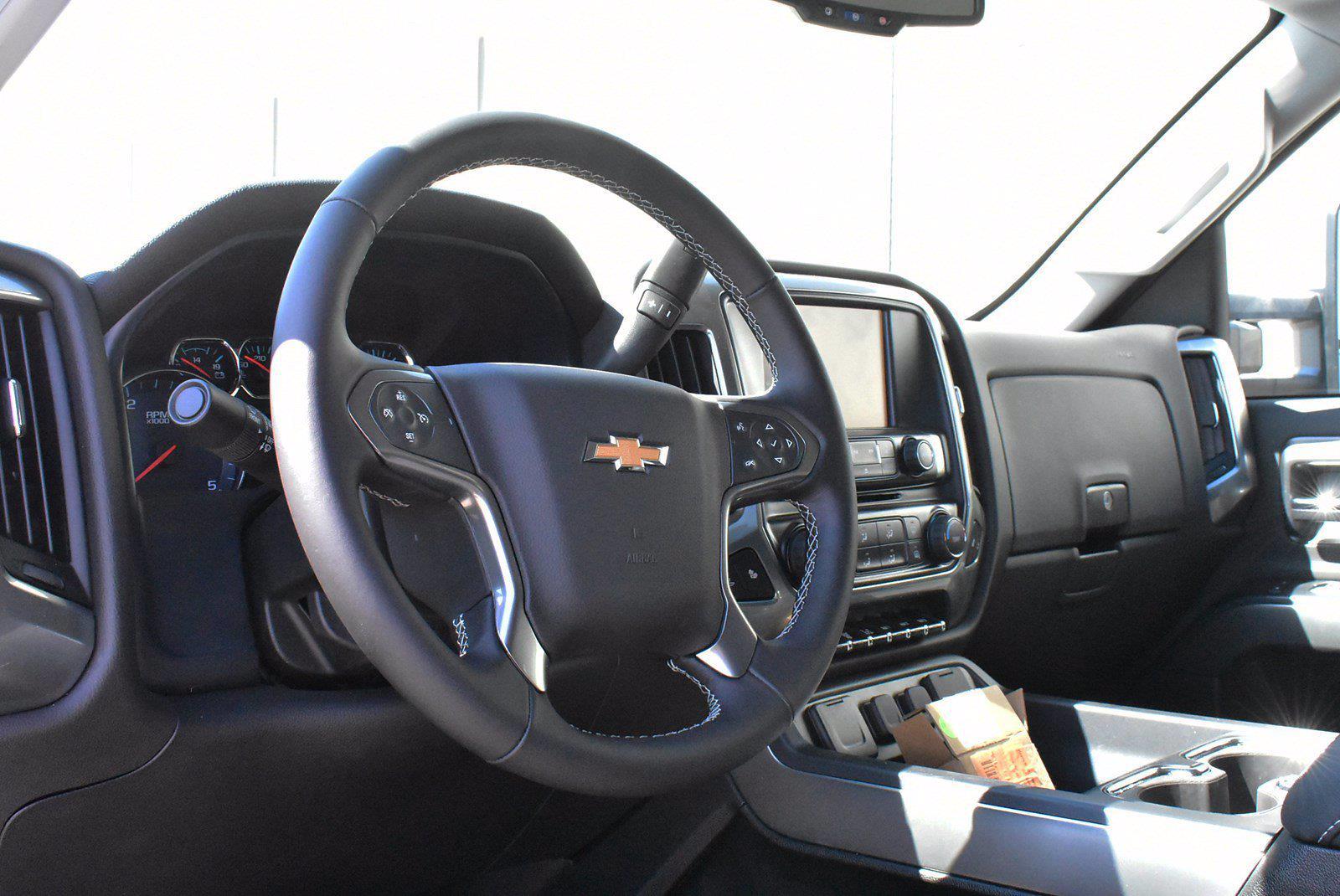 2020 Chevrolet Silverado 5500 DRW 4x2, Cab Chassis #D100225 - photo 4