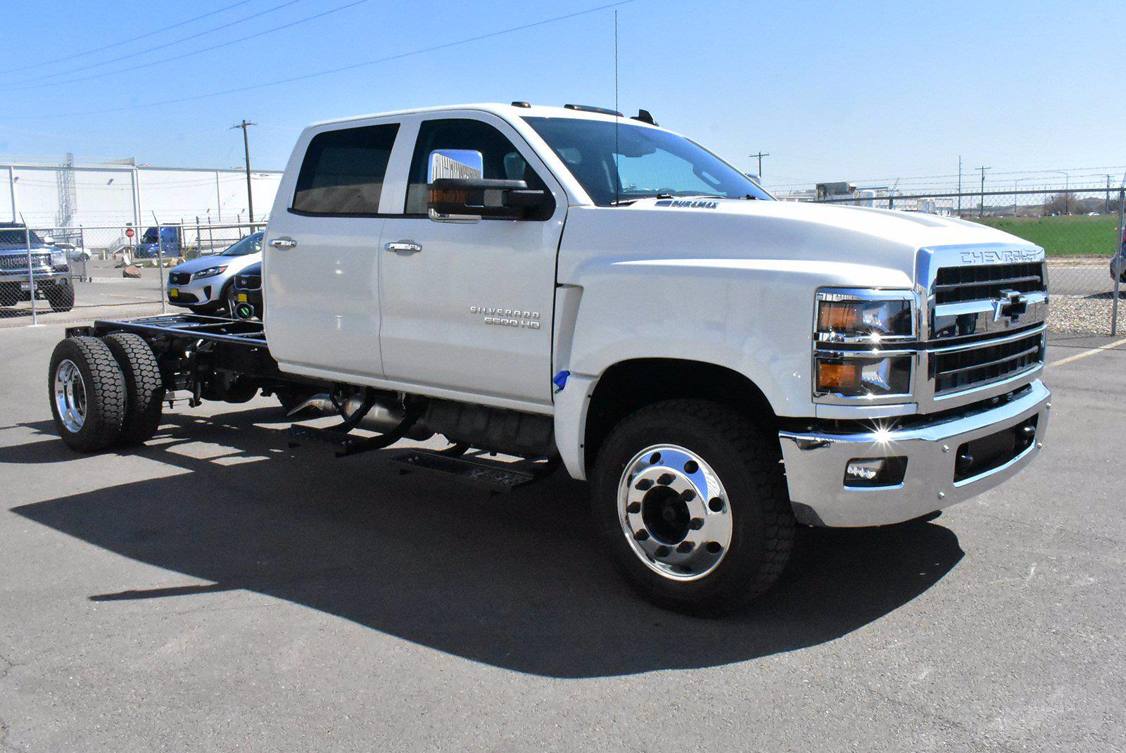 2020 Chevrolet Silverado 5500 DRW 4x2, Cab Chassis #D100225 - photo 3