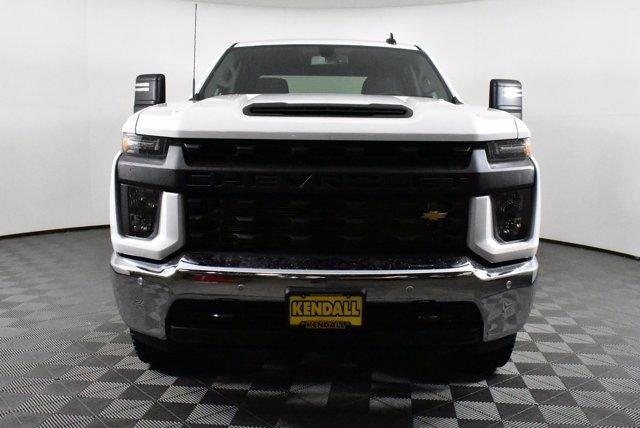 2020 Chevrolet Silverado 2500 Crew Cab 4x4, Pickup #D100358 - photo 3