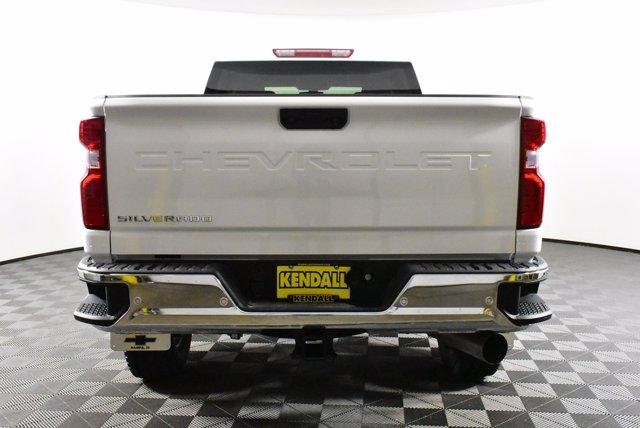 2020 Chevrolet Silverado 2500 Crew Cab 4x4, Pickup #D100358 - photo 7