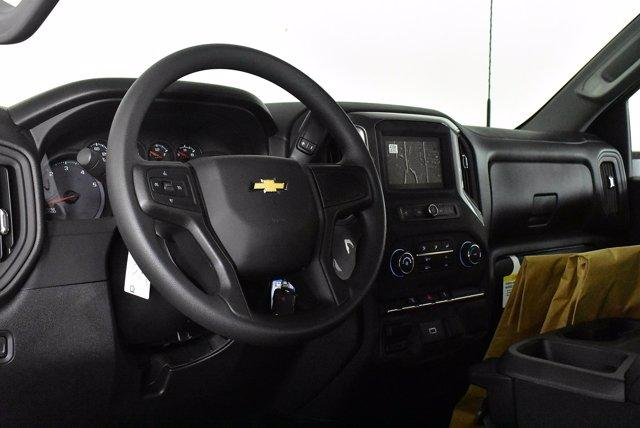 2020 Chevrolet Silverado 3500 Regular Cab DRW 4x4, Cab Chassis #D100370 - photo 5