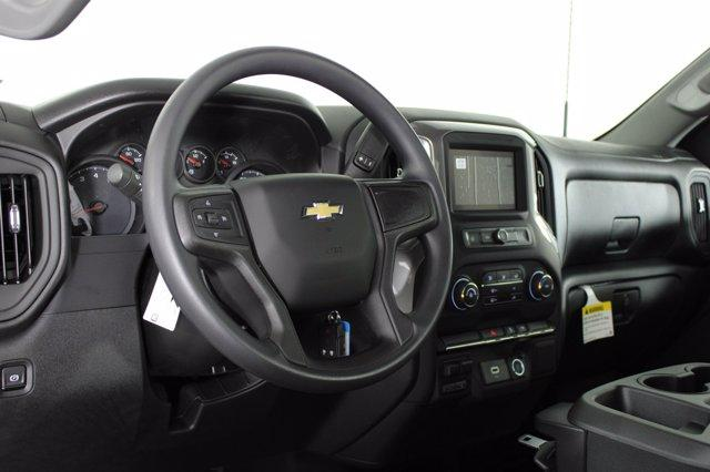 2020 Chevrolet Silverado 3500 Regular Cab DRW RWD, Cab Chassis #D100376 - photo 4