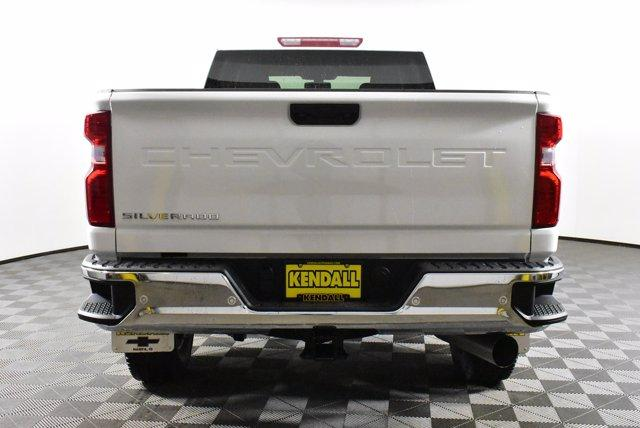 2020 Chevrolet Silverado 2500 Crew Cab 4x4, Pickup #D100437 - photo 6