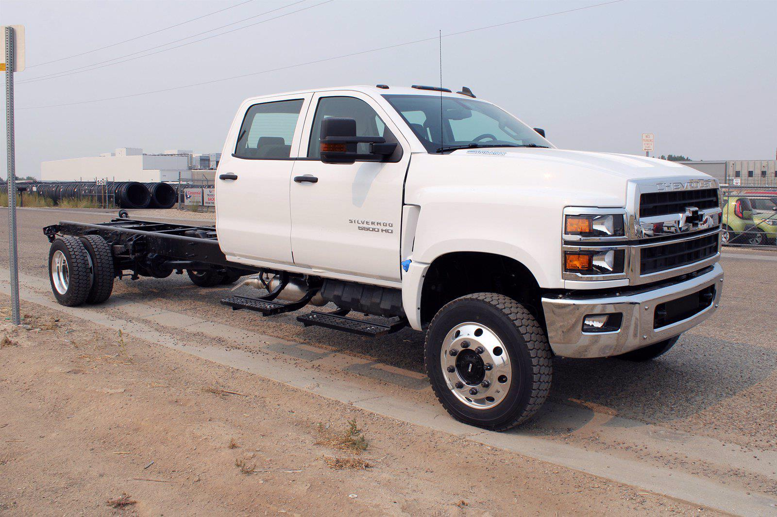 2020 Chevrolet Silverado 5500 DRW 4x4, Cab Chassis #D100455 - photo 3