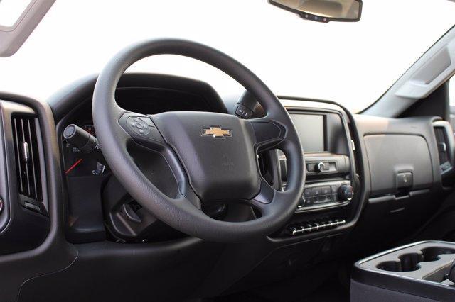 2020 Chevrolet Silverado Medium Duty Crew Cab DRW 4x4, Cab Chassis #D100455 - photo 4