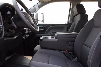 2020 Chevrolet Silverado 5500 DRW 4x4, Cab Chassis #D100455 - photo 5
