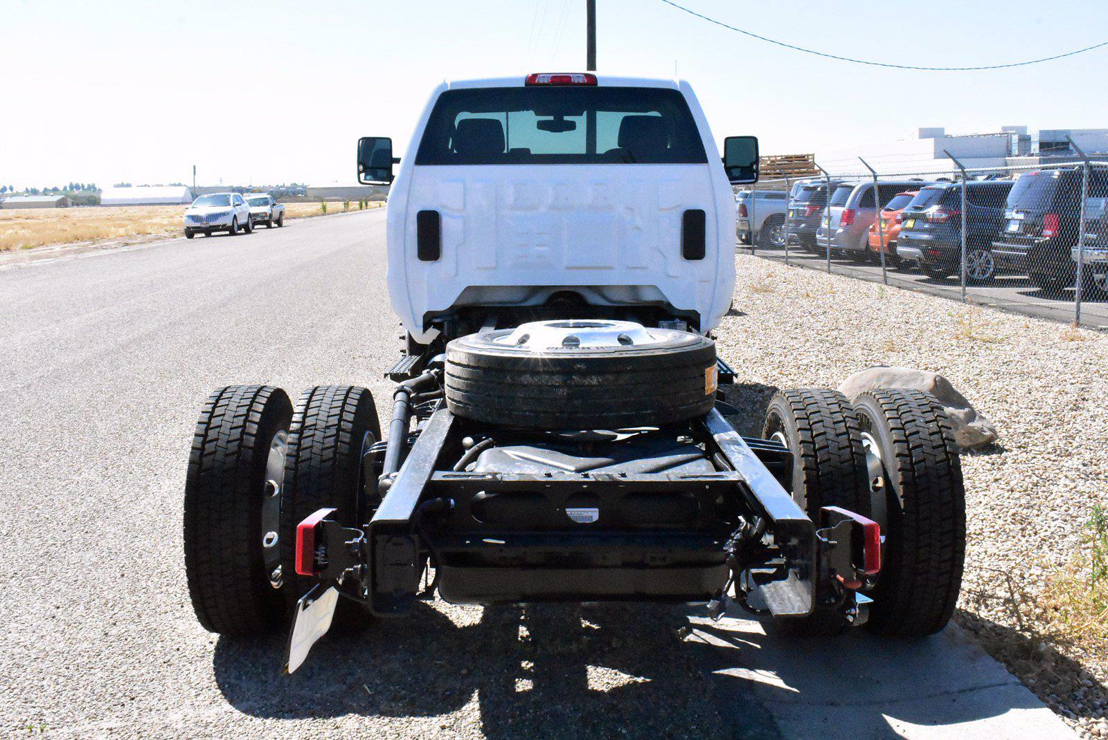 2020 Chevrolet Silverado 5500 DRW 4x2, Cab Chassis #D100456 - photo 2