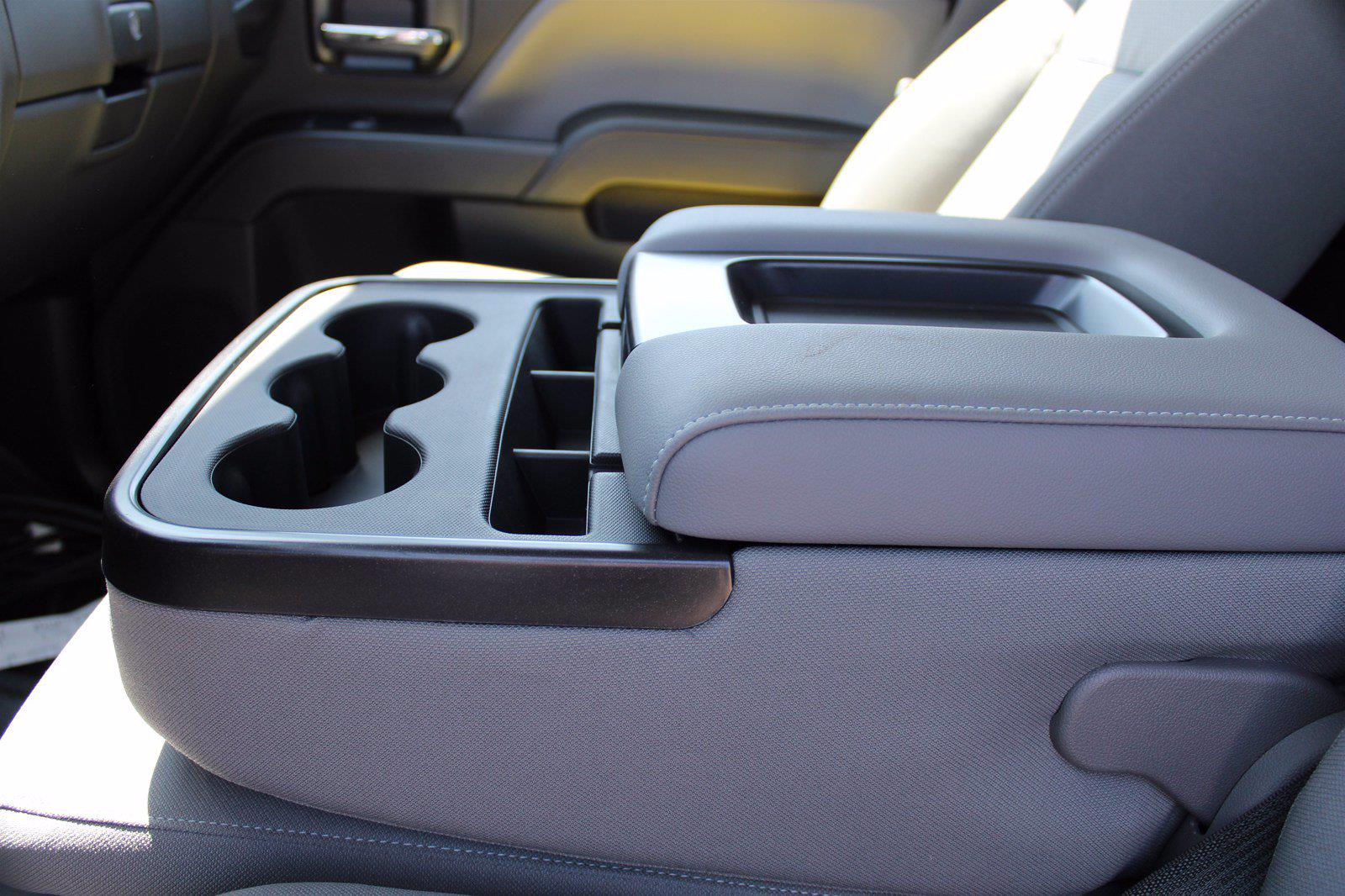 2020 Chevrolet Silverado 5500 DRW 4x2, Cab Chassis #D100457 - photo 6