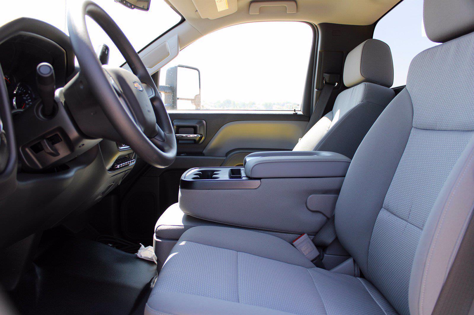 2020 Chevrolet Silverado 5500 DRW 4x2, Cab Chassis #D100457 - photo 7