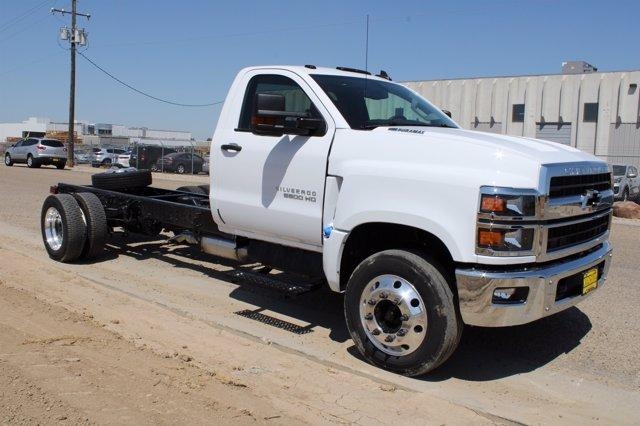 2020 Chevrolet Silverado Medium Duty Regular Cab DRW RWD, Cab Chassis #D100457 - photo 3