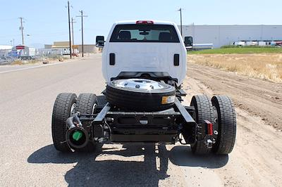 2020 Chevrolet Silverado 5500 DRW 4x2, Cab Chassis #D100457 - photo 2