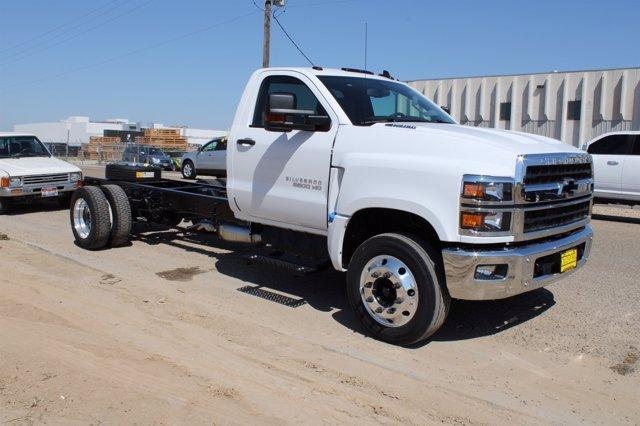 2020 Chevrolet Silverado Medium Duty Regular Cab DRW RWD, Cab Chassis #D100458 - photo 3