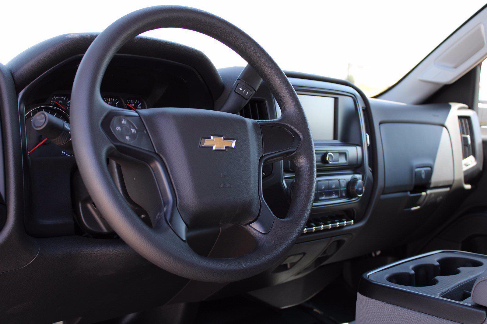 2020 Chevrolet Silverado 5500 DRW 4x2, Cab Chassis #D100459 - photo 4