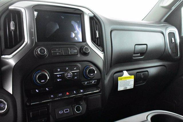 2020 Chevrolet Silverado 1500 Crew Cab 4x4, Pickup #D100608 - photo 12