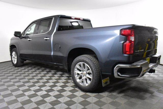 2020 Chevrolet Silverado 1500 Crew Cab 4x4, Pickup #D100718 - photo 2