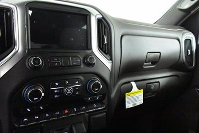 2020 Chevrolet Silverado 1500 Crew Cab 4x4, Pickup #D100718 - photo 12