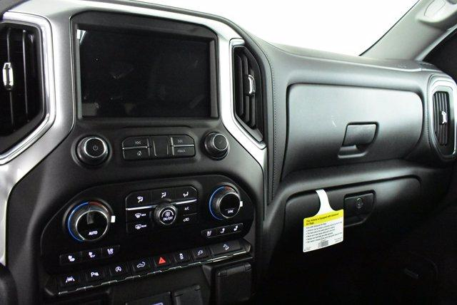 2020 Chevrolet Silverado 1500 Crew Cab 4x4, Pickup #D100758 - photo 12