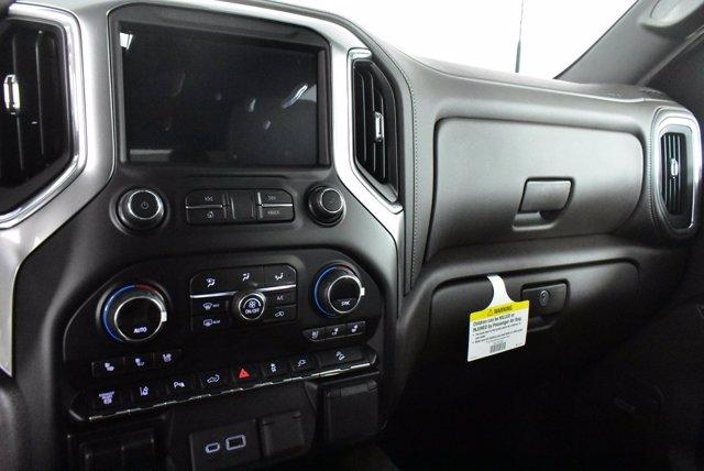 2020 Chevrolet Silverado 2500 Crew Cab 4x4, Pickup #D100996 - photo 11