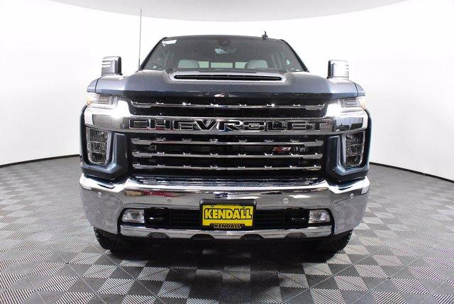 2020 Chevrolet Silverado 2500 Crew Cab 4x4, Pickup #D100996 - photo 3