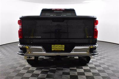 2020 Chevrolet Silverado 2500 Crew Cab 4x4, Pickup #D100996 - photo 7