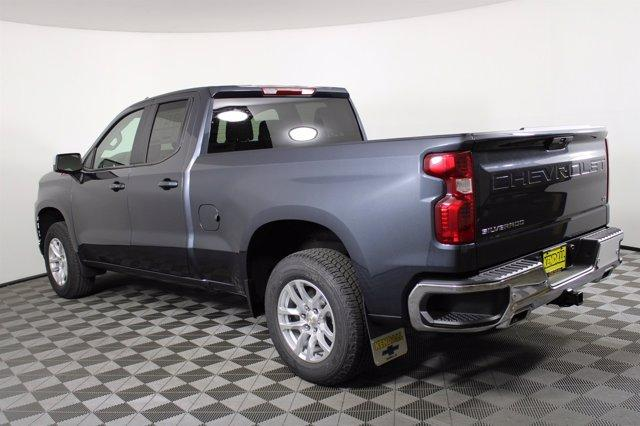 2020 Chevrolet Silverado 1500 Double Cab 4x4, Pickup #D101061 - photo 3