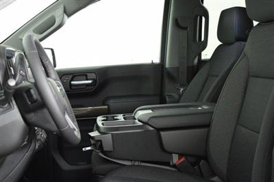 2020 Chevrolet Silverado 1500 Double Cab 4x4, Pickup #D101062 - photo 6
