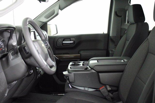 2020 Chevrolet Silverado 2500 Crew Cab 4x4, Pickup #D101065 - photo 5
