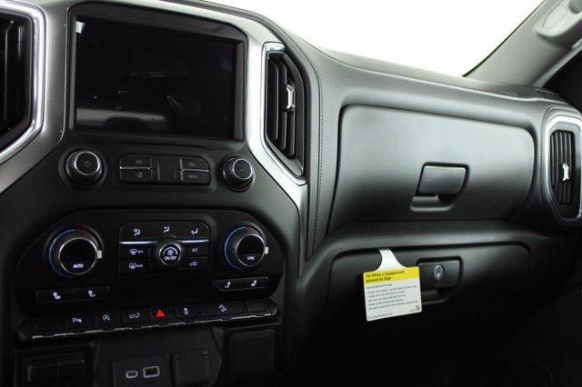 2020 Chevrolet Silverado 1500 Double Cab 4x4, Pickup #D101082 - photo 12