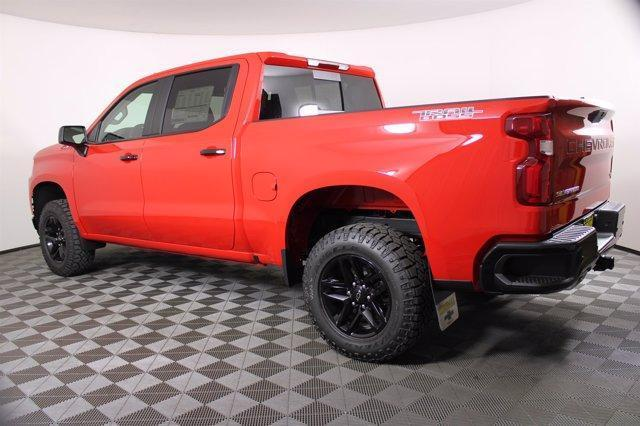 2020 Chevrolet Silverado 1500 Crew Cab 4x4, Pickup #D101152 - photo 2