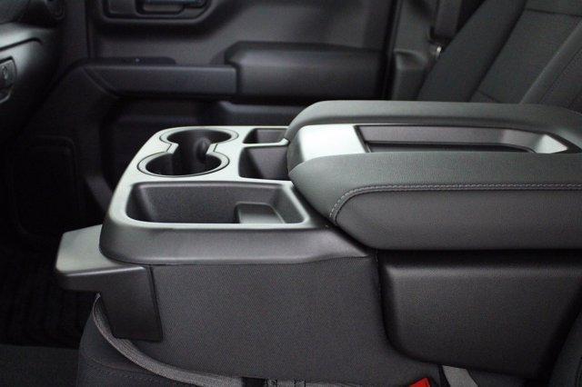 2020 Chevrolet Silverado 1500 Crew Cab 4x4, Pickup #D101164 - photo 11