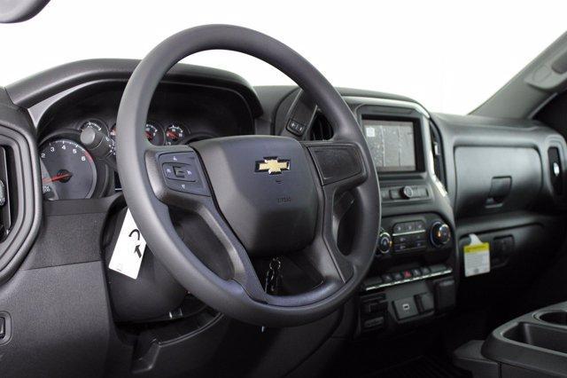 2020 Chevrolet Silverado 1500 Crew Cab 4x4, Pickup #D101164 - photo 8