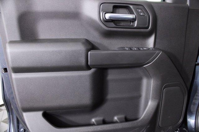 2020 Chevrolet Silverado 1500 Crew Cab 4x4, Pickup #D101164 - photo 9