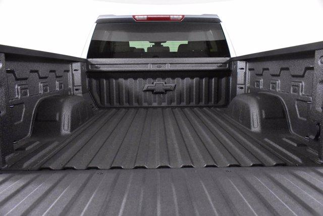 2020 Chevrolet Silverado 1500 Crew Cab 4x4, Pickup #D101177 - photo 9
