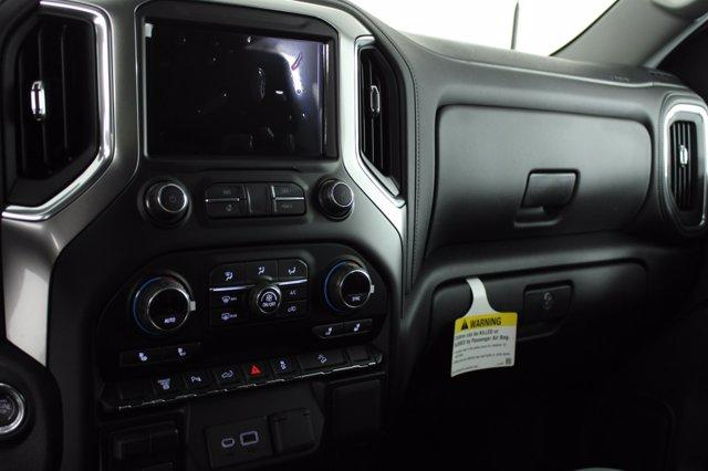 2020 Chevrolet Silverado 2500 Crew Cab 4x4, Pickup #D101214 - photo 12