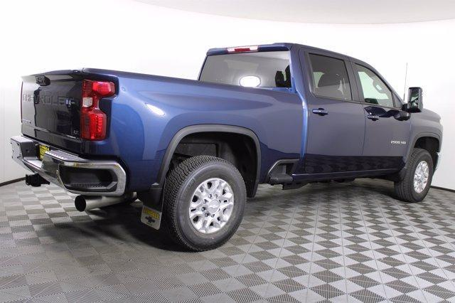 2020 Chevrolet Silverado 2500 Crew Cab 4x4, Pickup #D101214 - photo 7
