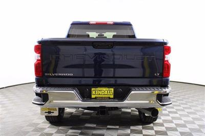 2020 Chevrolet Silverado 2500 Crew Cab 4x4, Pickup #D101214 - photo 8
